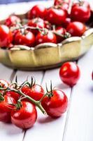 tomates. tomates cerises. tomates cocktail. photo