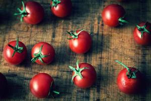 tomates cerises photo