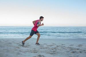 bel homme fit courir photo