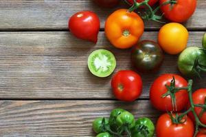 tomates mûres fraîches