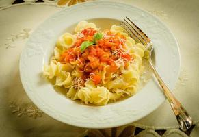 gigli avec sauce tomate et parmigiano photo