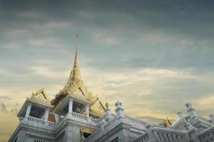 temple traimit, bangkok photo