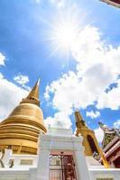 pagode dorée à bangkok, thaïlande photo