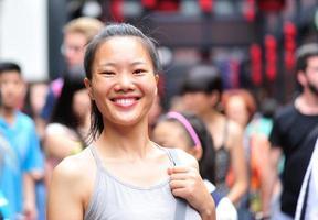 Femme touriste dans la rue Jinli, Chengdu, Chine photo