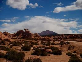 désert de pierre en bolivie roches montagnes sable photo