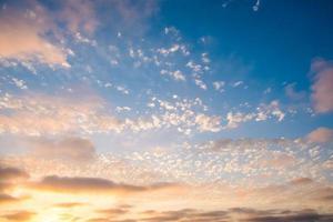 ciel coucher de soleil avec des nuages san diego, californie photo