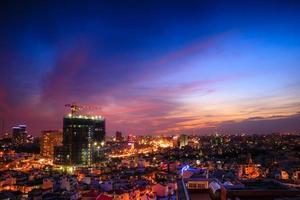vue sur la ville de saigon depuis le toit photo