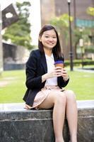 jeune, femme, asiatique, exécutif, tenue, fichier photo