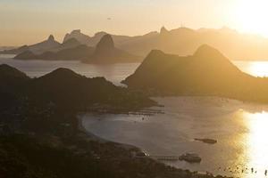 Rio de Janeiro vu du parc de la ville de Niteroi photo