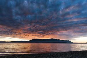 coucher de soleil sur l'île photo