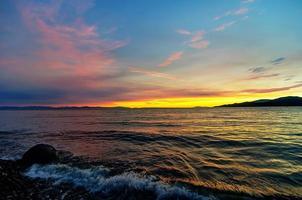 plage au coucher du soleil