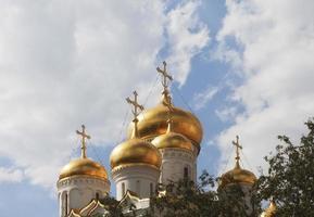 Toits d'or des églises orthodoxes du Kremlin, Moscou, Russie