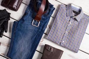 vêtements pour hommes à la mode. photo