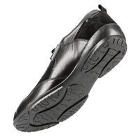 chaussures pour hommes sur fond blanc photo