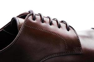 Gros plan de chaussures en cuir pour hommes photo