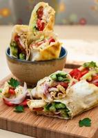 shawarma au poulet et légumes