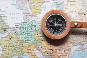 destination de voyage Allemagne, carte avec boussole
