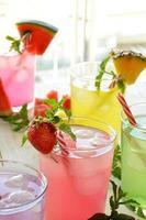 cocktail mojito de plusieurs saveurs tropicales +