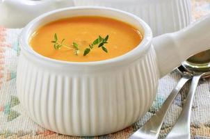 soupe de patate douce aux carottes photo
