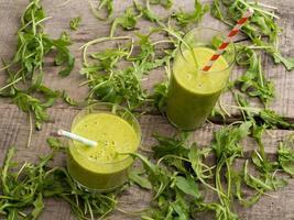 smoothies verts frais photo