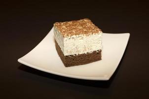 gâteau au chocolat avec crème vanille