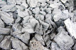 cuisson au charbon de bois photo