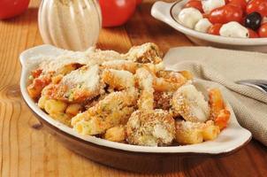 rigatoni aux saucisses et boulettes de viande photo
