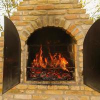 cheminée en brique pour barbecue photo