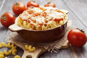 pâtes au four avec tomate et fromage
