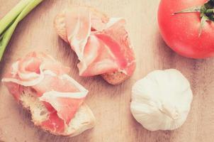collations au jambon espagnol. filtre pastel photo