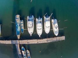 bateau de quai photo