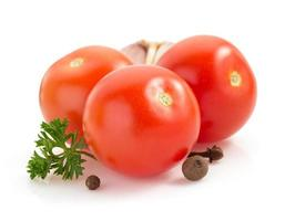 tomate isolé sur blanc photo