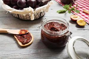 confiture de prunes maison