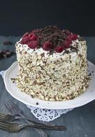gâteau aux framboises et aux amandes photo