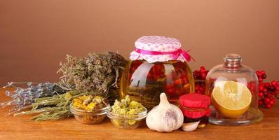 miel et autres médicaments naturels pour la cheminée d'hiver photo