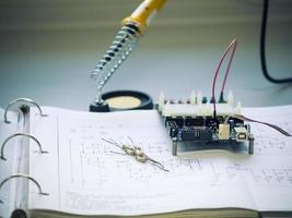 composant de résistance sur le schéma de circuit photo