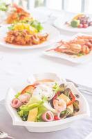 crevettes, fromage, salade de jambon