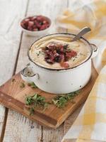 soupe à la crème de légumes photo