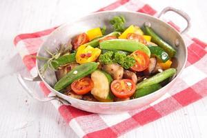 ratatouille, légumes frits