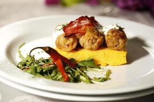 délicieux plats gastronomiques au restaurant
