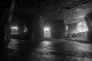 sous la roche