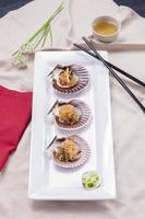 aperçu des nouilles coréennes sur les coquillages. photo