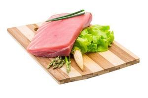 steak cru de thon photo