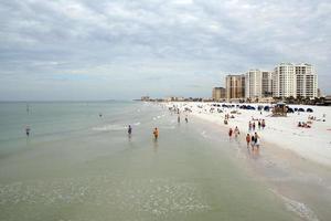plage d'eau claire photo