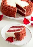 """gâteau """"velours rouge"""" en forme de coeur. La Saint-Valentin."""