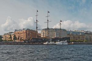 ville de st. Pétersbourg, vue depuis le bateau à moteur 1131. photo