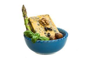 fromage d'or avec moule photo