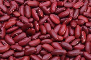 haricots rouges dispose isolé comme arrière-plan photo