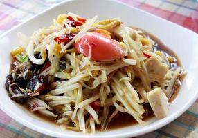Salade de papaye. photo