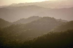vieux paysage de montagne